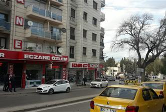 DEVLET HASTANESİ KARŞISINDA 125 M2 KİRACILI DÜKKAN