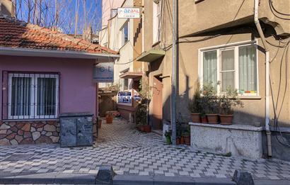 Altıeylül Mahallesi Keçeci Sokak Üzerinde Kiralık 2+1 Ofis