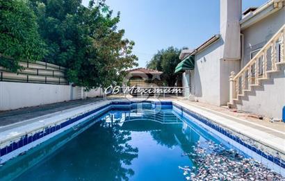 KKTC Girne'de geniş arazi içerisinde Özel Yüzme Havuzlu 3+1 Satılık Müstakil Villa